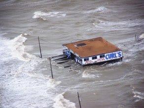 flood-664712_1280